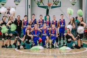 """Moksleivių 2004-2005 m. grupės čempionai – krepšinio mokyklos """"Perkūnas"""" auklėtiniai"""