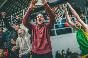 VIDEO: Kol mokyklos ištuštėjusios, puiki proga prisiminti Kauno Gimnazijų taurės finalą!